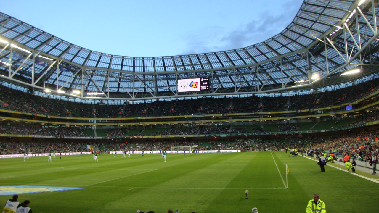 http://quitteoudouble.eu/wp-content/uploads/2018/11/Aviva_Stadium._View_from_the_North_Stand_-_panoramio_-_Robin_Pollard-1280x720.jpg