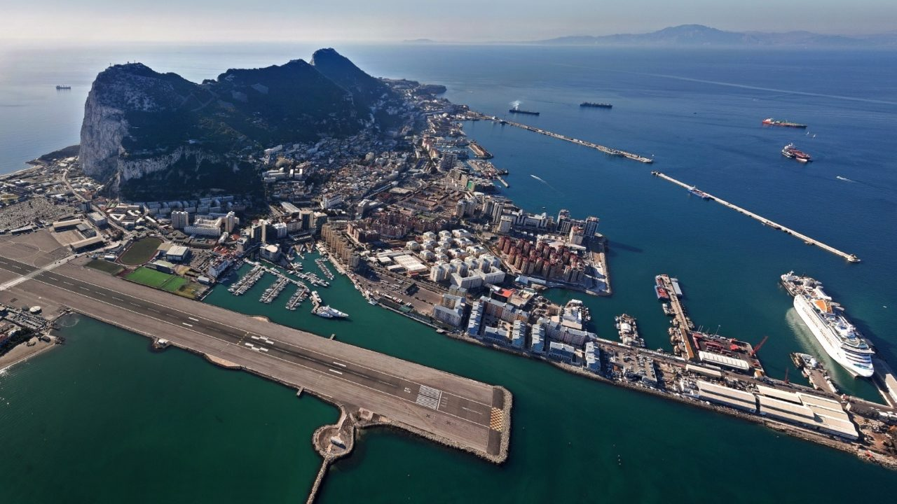 http://quitteoudouble.eu/wp-content/uploads/2018/11/The_Port_of_Gibraltar_Aerial_View_from_the_North_West-1280x720.jpg